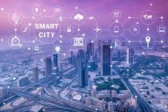 Il concetto della città e di Internet astuti delle cose Fotografia Stock