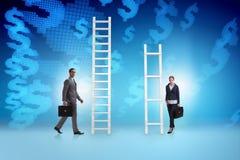 Il concetto delle prospettive di carriera disuguali fra la donna dell'uomo Immagini Stock Libere da Diritti