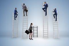 Il concetto delle prospettive di carriera disuguali fra la donna dell'uomo Fotografia Stock