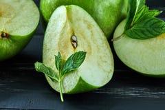 Il concetto di cibo sano, mele fresche fotografia stock libera da diritti