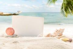 Il concetto di estate si rilassa sulla spiaggia Fotografia Stock Libera da Diritti