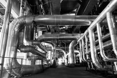 Il concetto di industria convoglia il bw dei tubi Immagine Stock