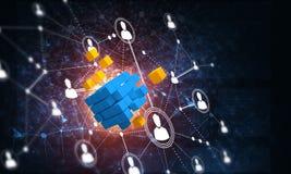 Il concetto di Internet e la rete con il cubo digitale dipendono il fondo scuro Immagini Stock Libere da Diritti