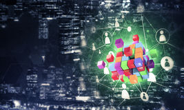 Il concetto di Internet e la rete con il cubo digitale dipendono la d Fotografia Stock