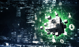 Il concetto di Internet e la rete con il cubo digitale dipendono la d Fotografie Stock