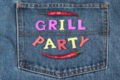 Il concetto di Inventation del partito del barbecue o della griglia dell'estate sui jeans appoggia Immagini Stock