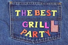 Il concetto di Inventation del partito del barbecue o della griglia dell'estate sui jeans appoggia Fotografia Stock Libera da Diritti