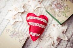 Il concetto di orario invernale con cuore ha modellato il perno Fotografia Stock Libera da Diritti