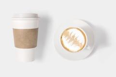 Il concetto di progetto della tazza di caffè del modello ha messo su backgr bianco Fotografie Stock Libere da Diritti