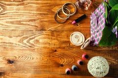 Il concetto per le ragazze compone il fondo di legno astratto Fotografia Stock