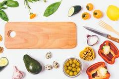 Il concetto sano dell'alimento pone pianamente di legno immagini stock