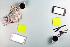 Il concetto: una transazione per l'affitto o l'acquisto di alloggio Fotografia Stock Libera da Diritti