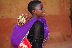 Il considerare i fronti dei bambini dell'Africa - villaggio Pomeri Fotografia Stock