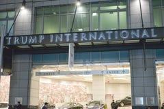 Il consigliere tecnico della città vuole il nome di Donald Trump rimosso dalla torre di Trump di Toronto fotografia stock libera da diritti