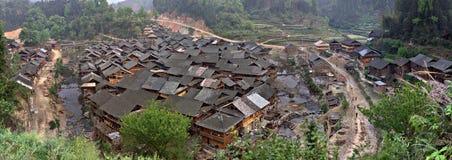 Il contadino alloggia il villaggio di minoranza etnica della gente di Dong, sud-ovest Immagini Stock Libere da Diritti