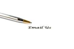 Il contatto ci invia con la posta elettronica il segno Fotografia Stock