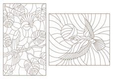 Il contorno ha messo con le illustrazioni di vetro macchiato con gli uccelli, un pappagallo sui rami delle piante ed i corvi cont royalty illustrazione gratis