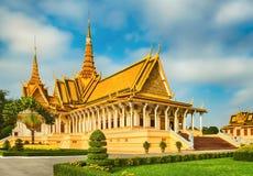 Il corridoio del trono dentro Royal Palace in Phnom Penh, Cambogia fotografie stock