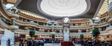 Il corridoio principale dell'aeroporto internazionale diHartsfield-Jackson Atlanta Fotografie Stock Libere da Diritti