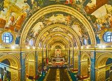 Il corridoio splendido di preghiera della Co-cattedrale di St John, La Valletta, Malta immagine stock libera da diritti