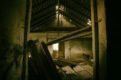 Il corridoio sporco di oscurità del fantasma Fotografia Stock