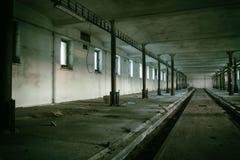 Il corridoio sporco di oscurità del fantasma Immagine Stock
