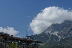 Il corso autunnale Italia, le belle montagne della dolomia si avvicina al ` Ampezzo, le dolomia, le alpi, Veneto della cortina D Fotografia Stock Libera da Diritti