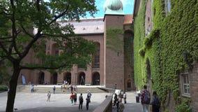 Il cortile del comune di Stoccolma, Svezia stock footage