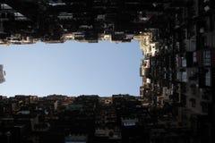 il cortile di un complesso residenziale enorme fotografie stock libere da diritti
