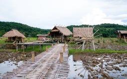 Il cottage di bambù, lo stile di vita semplice di un agricoltore tailandese Fotografia Stock
