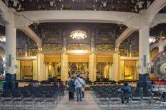 il culto principale Corridoio nel tempio di Tsukiji Honganji Fotografie Stock