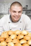 Il cuoco unico prepara un pasto Fotografia Stock Libera da Diritti