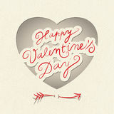 Il cuore del biglietto di S. Valentino di vettore con la piccola freccia sveglia. Retro stile. illustrazione vettoriale