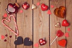 Il cuore modella il piano posto per il San Valentino Vista da sopra fotografia stock