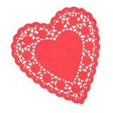 Il cuore rosso ha modellato Doilie isolato fotografie stock libere da diritti