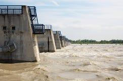 Il Danubio ondeggia all'inondazione dall'più alta acqua misurata oltre la diga di Cunovo Immagini Stock Libere da Diritti