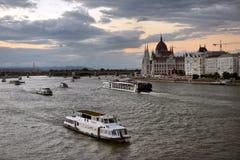 Il Danubio - panorama Danubio a Budapest Ungheria Vista del immagine stock