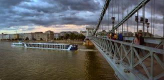 Il Danubio - panorama Danubio a Budapest Ungheria Vista del fotografia stock libera da diritti