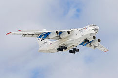 Il76 de lucht van Aviacon Zitotrans, luchthaven Roschino, Rusland Tyumen 20 Maart 2012 Stock Foto