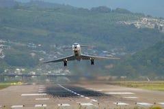 Il decollo dell'aeroplano Fotografie Stock