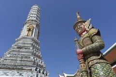 Il demone o il guardiano gigante in Wat Phra Kaew, o il tempio di Fotografia Stock Libera da Diritti