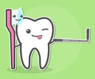 Il dente e lo spazzolino da denti fa il selfie Fotografia Stock Libera da Diritti