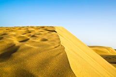 Il deserto in Gran Canaria con un bordo Fotografia Stock Libera da Diritti