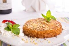 Il dessert del sud di Kunefe del turco è servito dopo Nizza un pasto fotografia stock libera da diritti