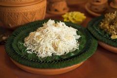 Il dessert tradizionale tailandese della palla della noce di cocco dei dolci, Kanom Tom ha nominato in tailandese, sul piatto del fotografia stock