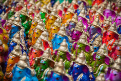 Il dio indù Colourful ha nominato Ganapati per vendita nel mercato a Chidambaram, Tamilnadu, India fotografie stock libere da diritti