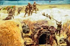 Il diorama di Peter Corlett che ha descritto le circostanze difficili ha resistito a dai soldati australiani che hanno combattuto immagine stock
