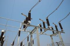 Il disconnector ad alta tensione nel substati elettrico all'aperto Fotografia Stock Libera da Diritti