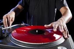 Il DJ che gioca musica Fotografie Stock Libere da Diritti