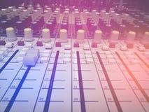 Il DJ consola lo scrittorio di miscelazione Fotografia Stock Libera da Diritti